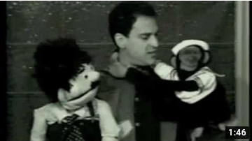 Ventriloquist-Jonathan-Geffner-performs-his-Honky-Tonky-Monkey-Rag